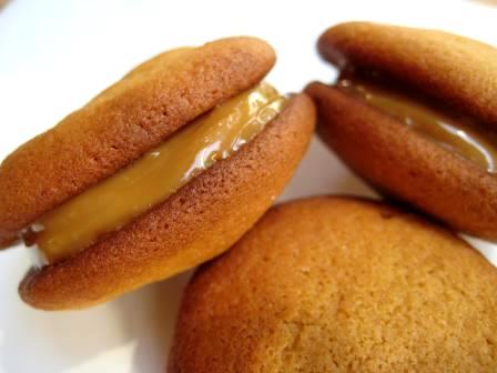 dulce-de-leche-cookies2.jpg